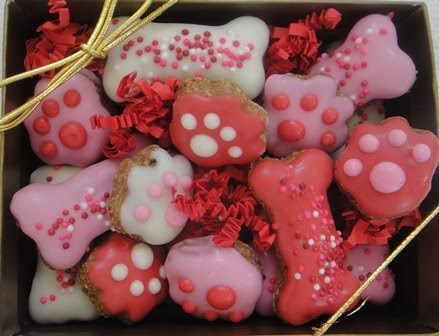 Hello Darlings! We all know that I am whatever the dog equivalent of a crazy cat lady is. And as such, it would be rather ridiculous if I didn't share the Valentine's Day dog treat recipe that I .