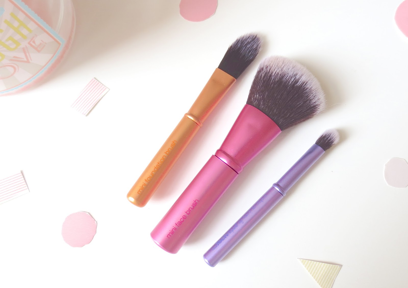 real techniques mini brush trio face brush travel blending eyeshadow lip make up makeup stippling brush blog review sam chapman