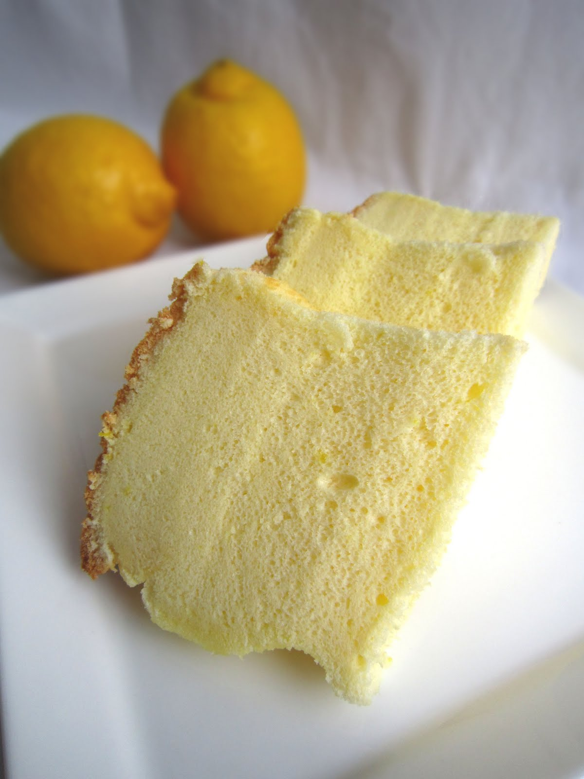Noms I Must: Lemon Chiffon Cake