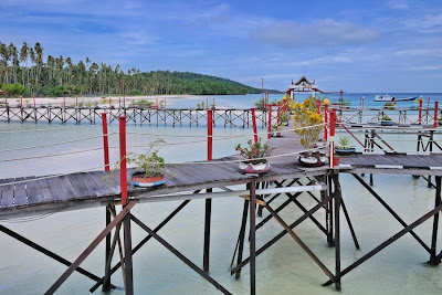 "<a href=""http://mataram.info/things-to-do-in-bali/visitindonesia-banda-marine-life-the-paradise-of-diving-topographic-point-inward-fundamental-maluku/"">Indonesia</a>best destinations : Maratua Paradise, Nosotros Honey Turquoise Body Of Body Of Water Floor"