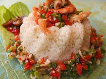 Ensalada de arroz y langostinos