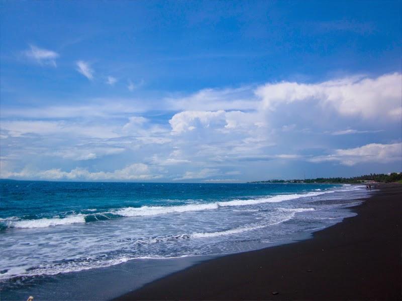 Tempat Wisata Pantai Kusamba Klungkung
