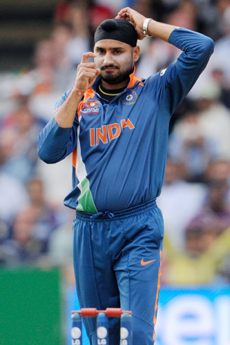Indian Cricket Players: Harbhajan Singh Bowling