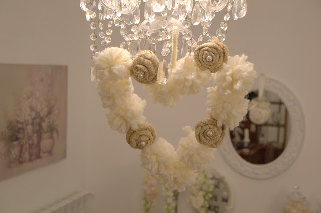 shabby chic hearth pom pom http://shabbychiclife-silvia.blogspot.it