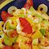 Ensalada de aguacate, papaya y camarones