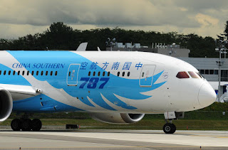 Eye-catching photo of the China Southern Airlines Boeing 787 Dreamliner