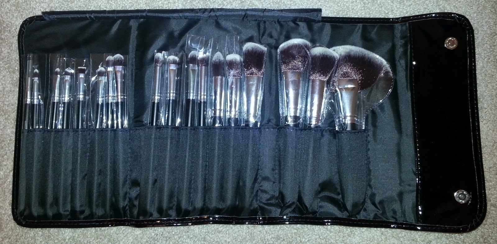 Morphe 18 Piece Vegan Brush Set