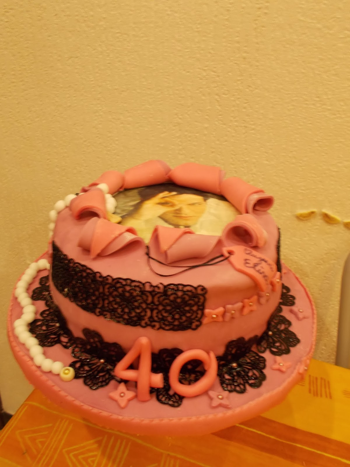 torta - i miei primi 40 anni........ pizzi e merletti per un compleanno elegante e divertente