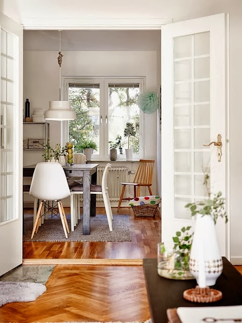 decoracion sillas eames estilo nordico lampara techo diseño blanca