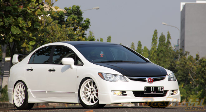 Modifikasi Honda All New Civic , Custom yg Simple title=