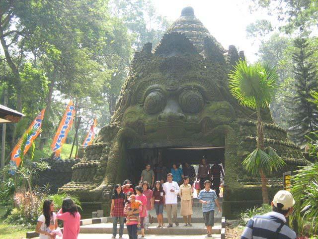 Taman Wisata Air Wendit, Malang - Jawa Timur,Indonesia ...