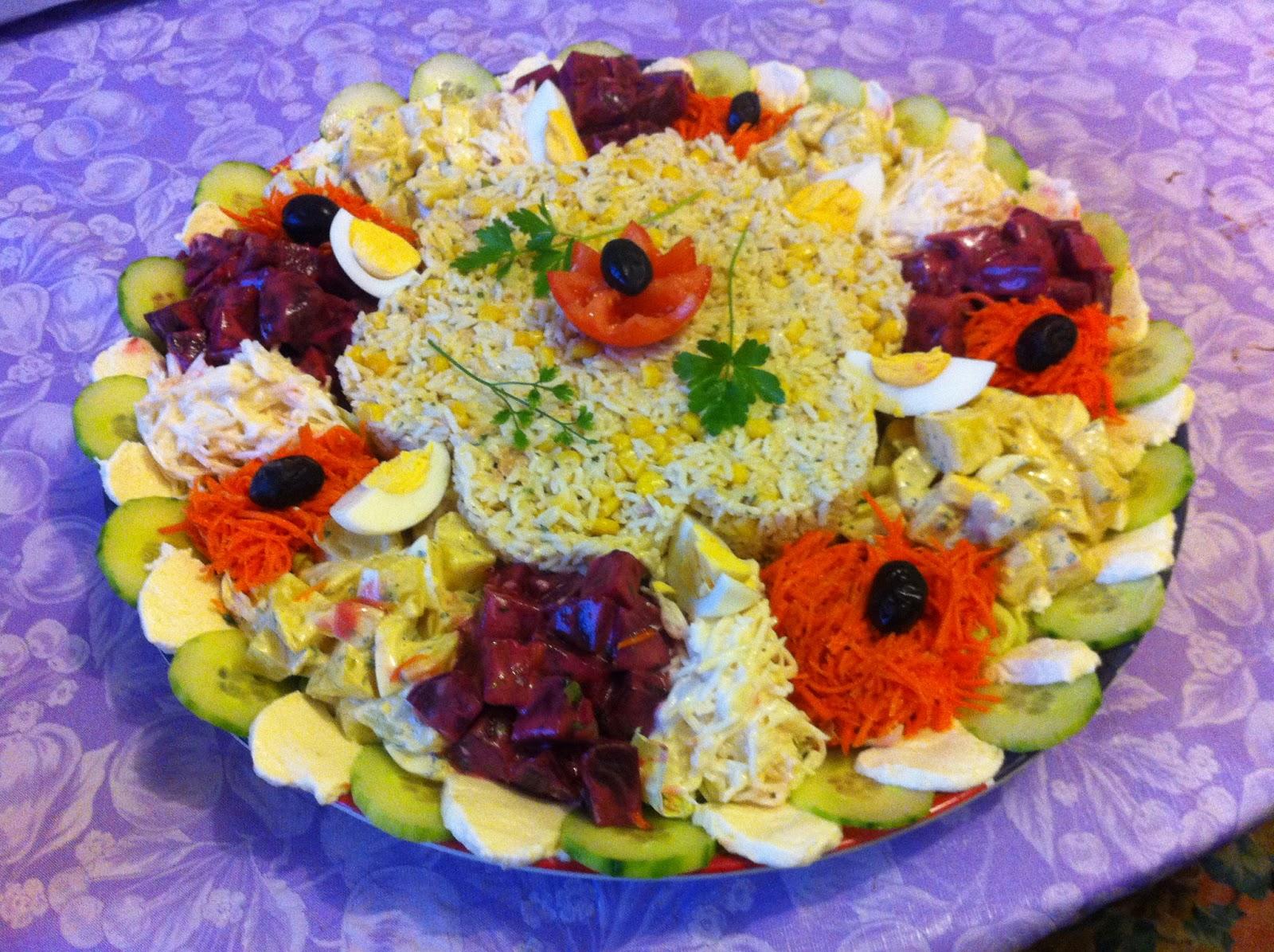 D licesd 39 orient salade compos e for Cuillere pour decorer les assiettes