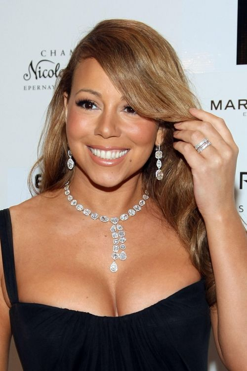 Get the look mariah carey daniella kronfle for Mariah carey jewelry line claire s