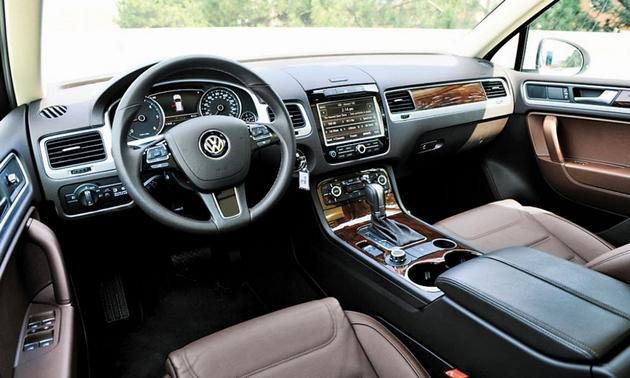 car mama 2012 volkswagen touareg now they 39 re cookin 39 with gas and diesel. Black Bedroom Furniture Sets. Home Design Ideas