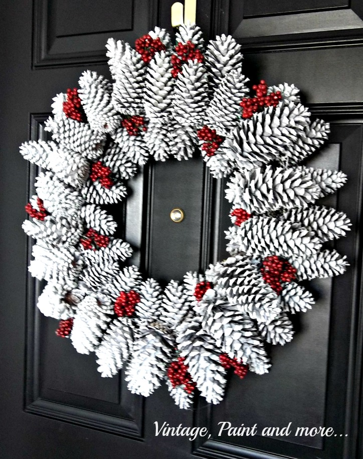 Vintage, Paint and more... seasonal wreath diy'd with pine cones, spray paint and faux berries