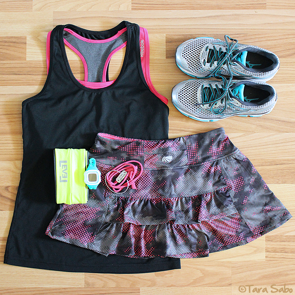workout clothes, fitfashion, dishthefit, fitnfashionable, fitness clothes, running clothes, wave enigma 5, flipbelt, reebok, momentum jewelry, garmin forerunner 15