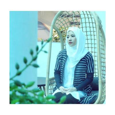 contoh model hijab Natasha Rizki