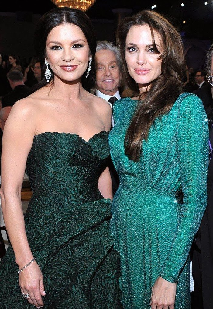 The Best Michael Douglas Photobomb Ever