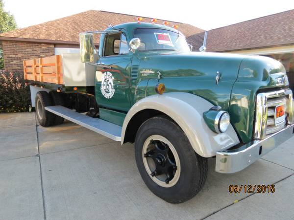 1954 GMC 630 Farm Truck - Old Truck