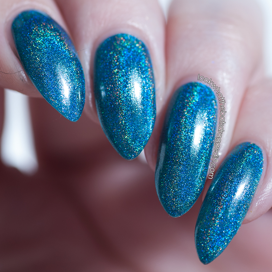 Emily de Molly Dramatic Entrance nail polish swatch