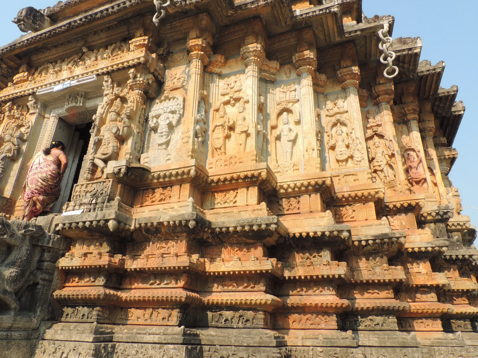 Beautiful carvings in Vidyashankar Temple