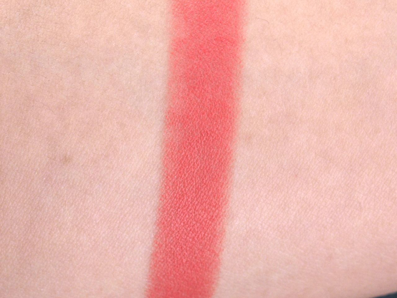"Marc Jacobs Kiss Pop Lip Color Stick in ""Heartbreaker"": Review and Swatches"
