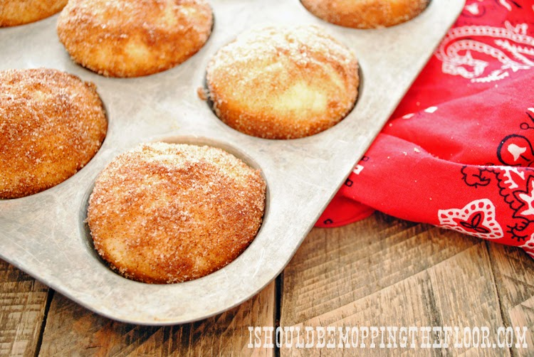 Over a dozen lunchbox-ready freezer muffins   Take from the freezer and they thaw by lunch!