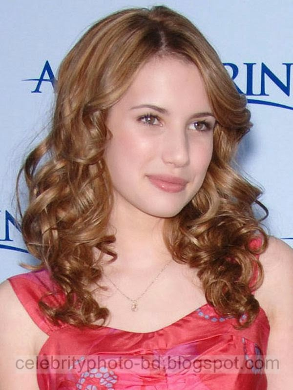 Emma+Roberts+Latest+Hot+Photos+With+Short+Biography003