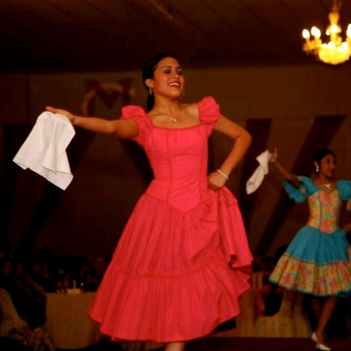 TRAJES TIPICOS DEL PERU Traditional Peruvian Dresses: Marinera Limeña