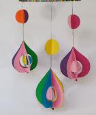 http://manualidades-para-todos.blogspot.com.es/2013/01/mobil-decorativo-adorno-decorative-mobil.html