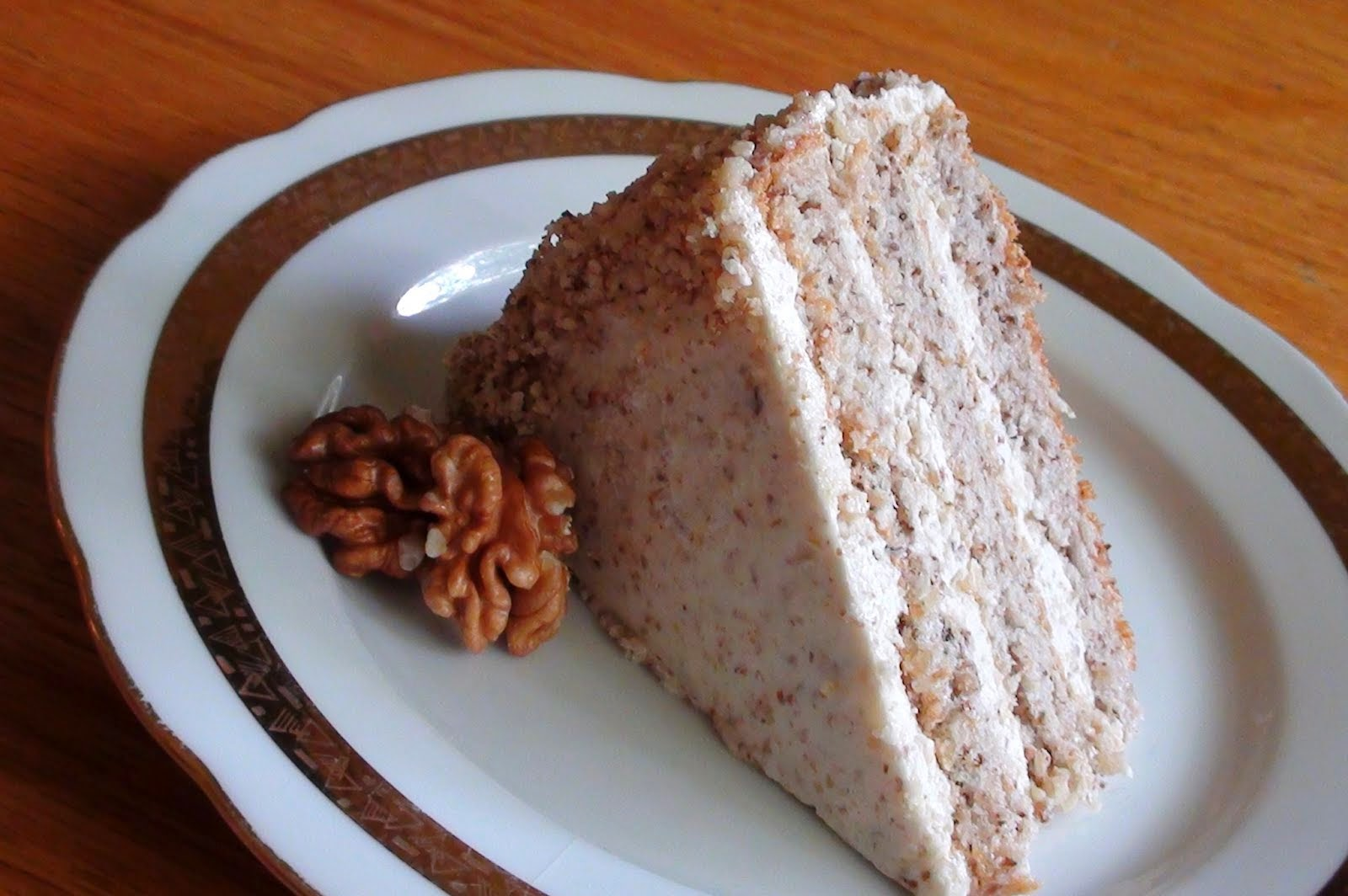zsuzsa is in the kitchen: HUNGARIAN WALNUT CAKE – DIÓTORTA