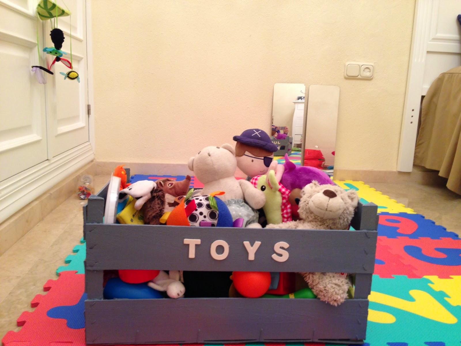 Una caja de frutas para guardar juguetes dyd - Cajas para almacenar juguetes ...