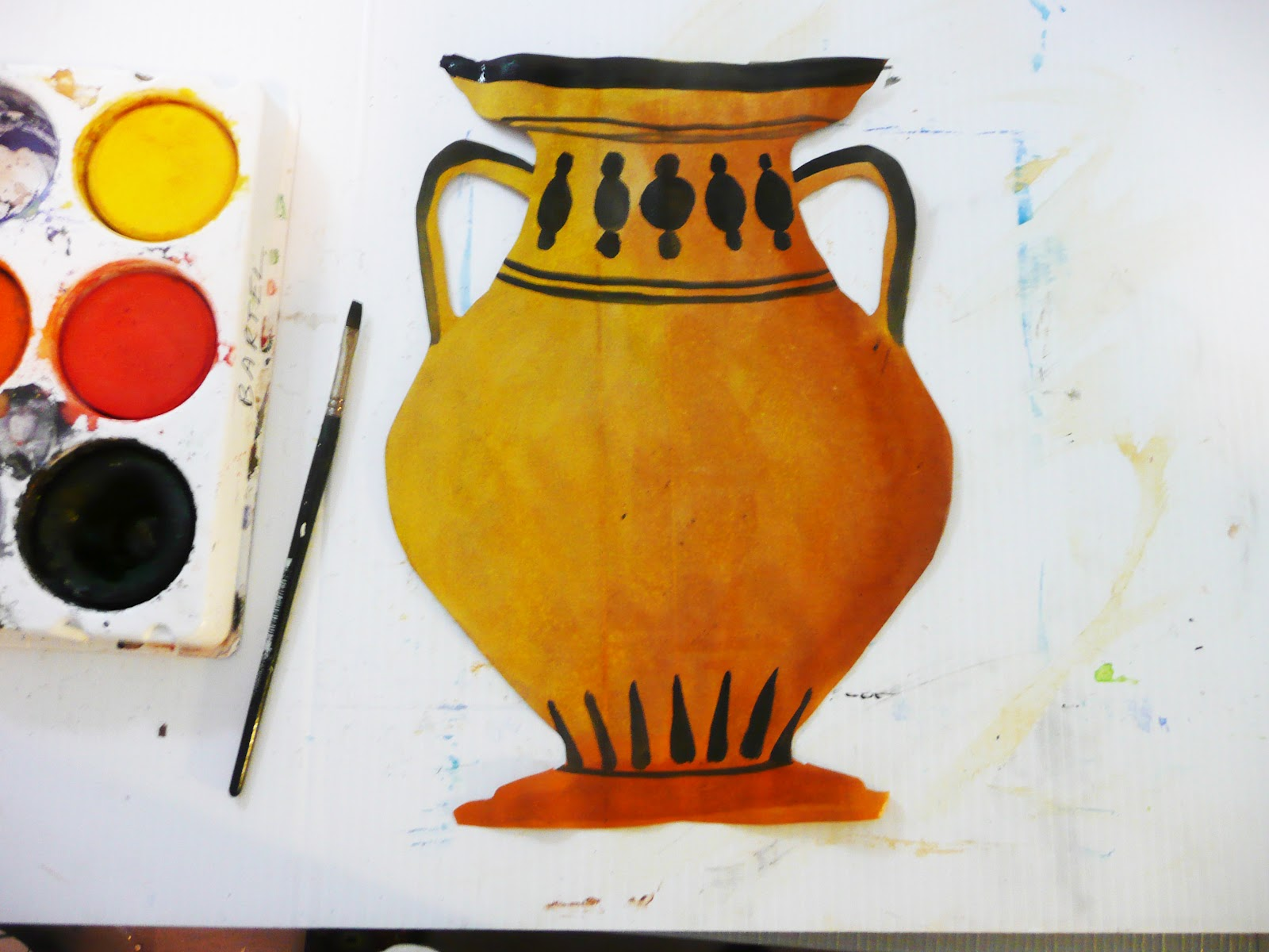 ancient greek art essay Greek art mostly includes much pottery, sculpture, architecture and painting the ancient greeks made pottery for everyday use for example cups.