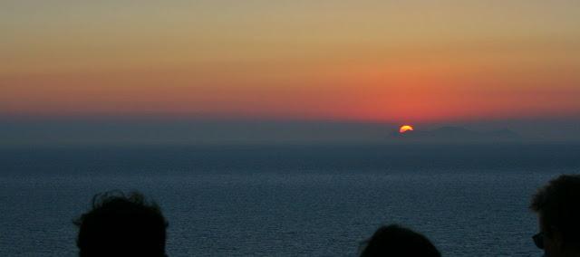 Puesta de sol en Santorini, Grecia