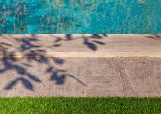 Terra antiqva porcelanico alta calidad para piscinas - Peldano porcelanico ...