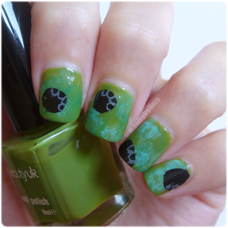 Nail art huellas elefantes con puntos nails dots green elephants