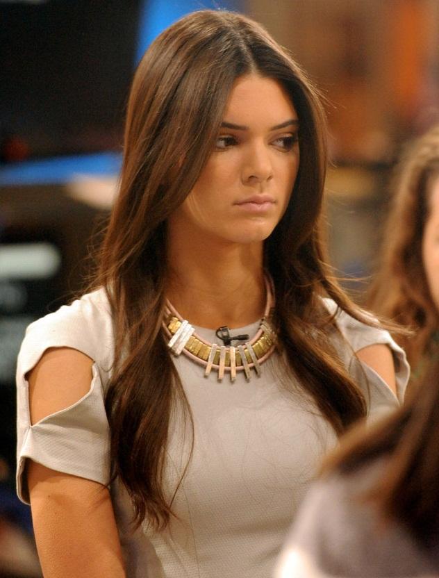 Kendall Jenner - Celebrity Necklace Trends