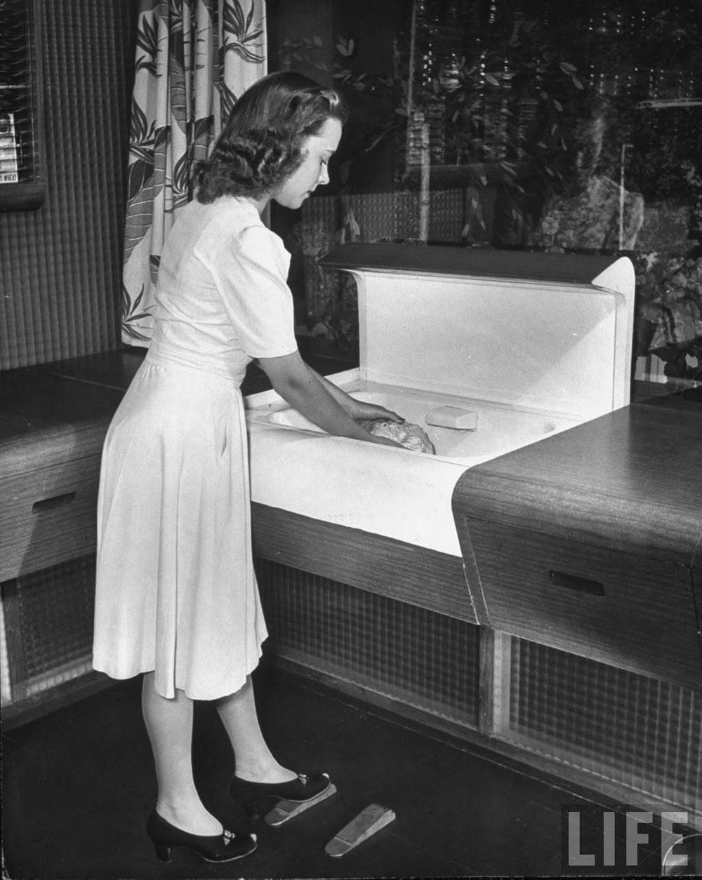 Eccola la sposina degli anni 39 60 compostezza ed eleganza for Cucina moderna giornale