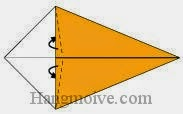 Bước 3: Gấp chéo hai mép giấy vào giữa hai lớp giấy.
