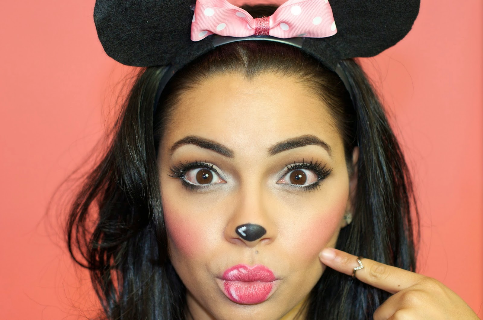 Halloween Makeup: Minnie Mouse | The Style Brunch