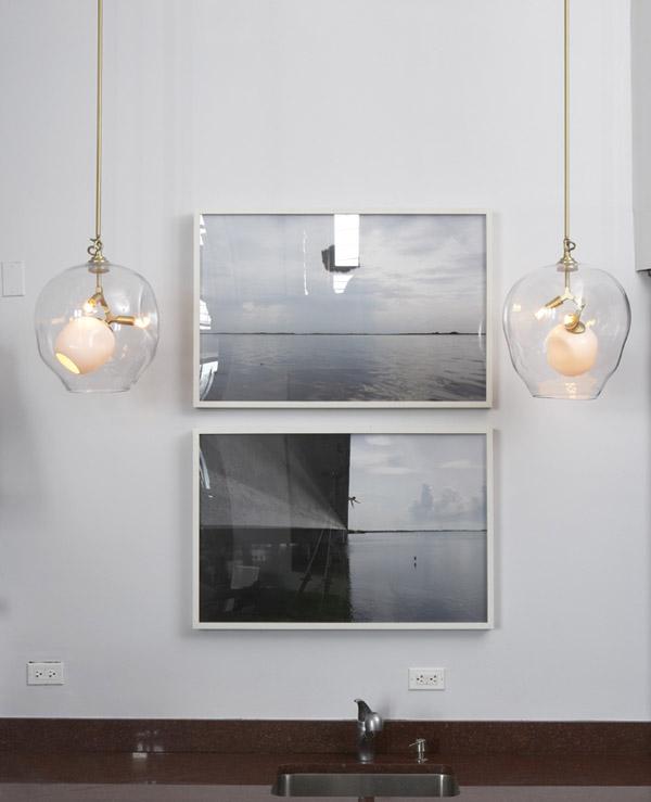 pareja de luminarias colgantes de vidrio transparente de diseño
