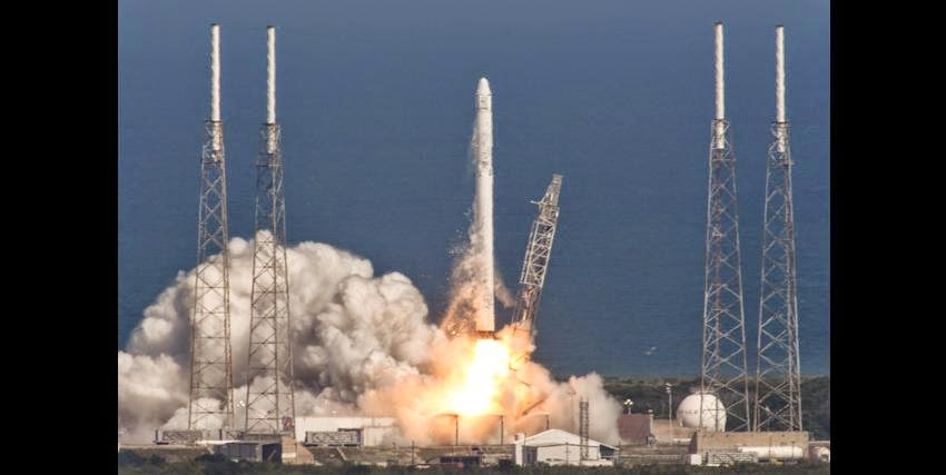 Liftoff of Falcon 9 and Dragon on the CRS-6 mission to resupply the International Space Station​ on Apr. 14, 2015. Credit: SpaceX