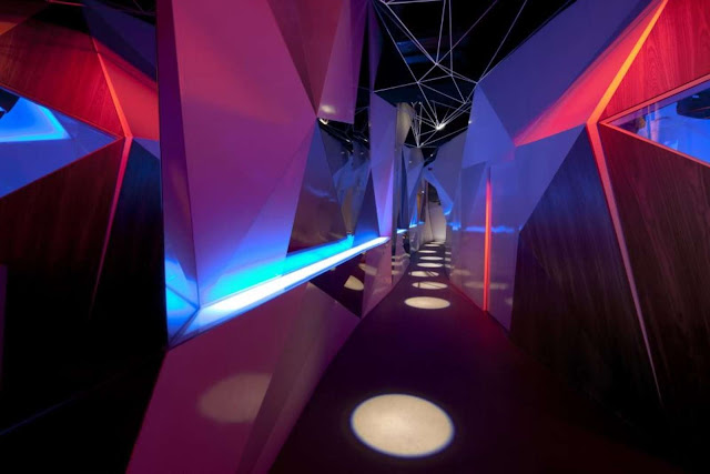 02-11-11-CLUB por Uras-X-Dilekci-Architects