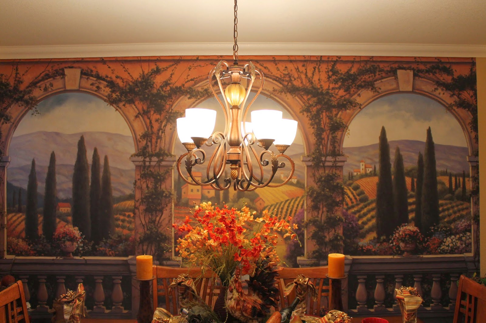 Southern seazons tuscan dining for Tuscan dining room ideas
