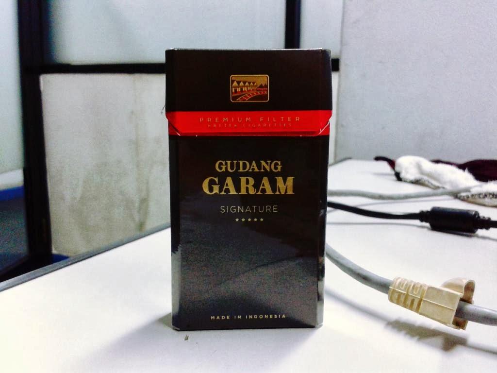 Rokok Gudang Garam Signature Hitam Filter 12 Batang Gp Garpit International