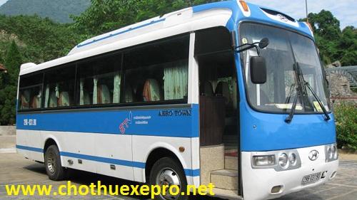 Cho thuê xe 35 chỗ Aero town tại Hà Nội