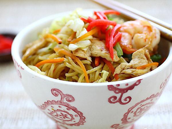 My Favorite Things: Simple Yakisoba Noodles
