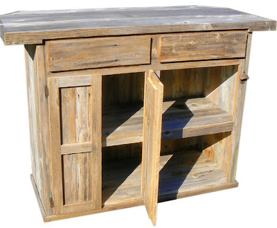 Rustic Outdoor Wooden Bar