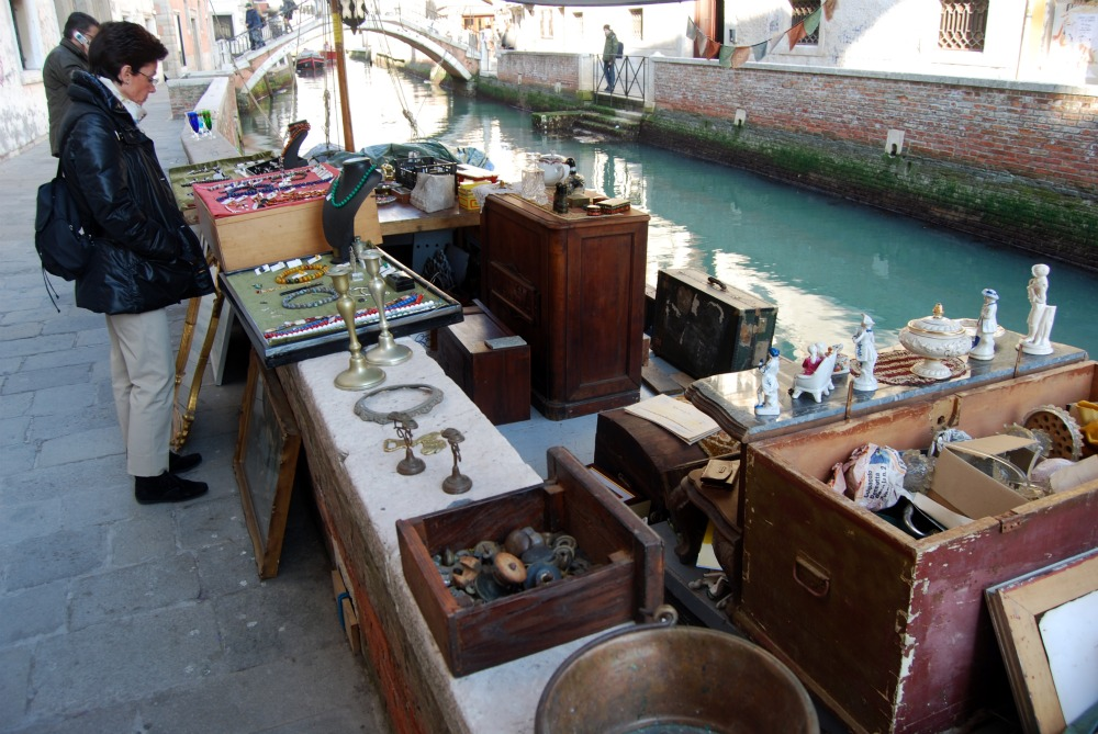 Barca in rio san trovaso for Antiquariato venezia