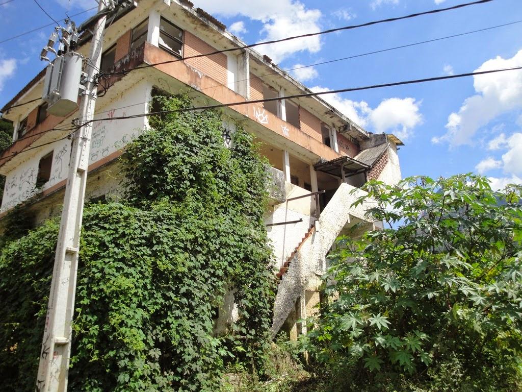 Imóveis aguardam ainda a indenização do INEA para demolição